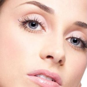 Brown Lashes - Roches